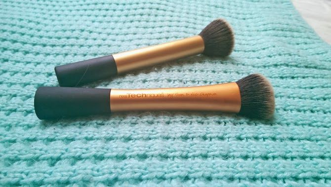 Beauty Bunny: REAL TECHNIQUES: BUFFING BRUSH VS. EXPERT FACE BRUSH