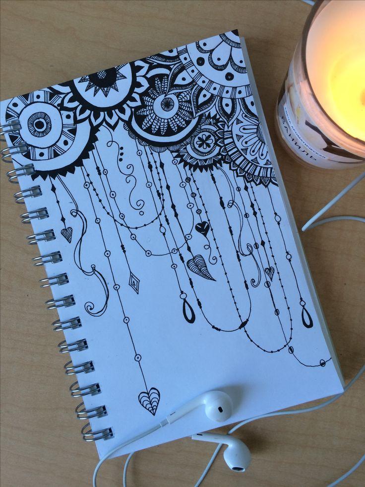Hand drawn dreamcatcher variation zentangle doodle. Грифонаж, узоры