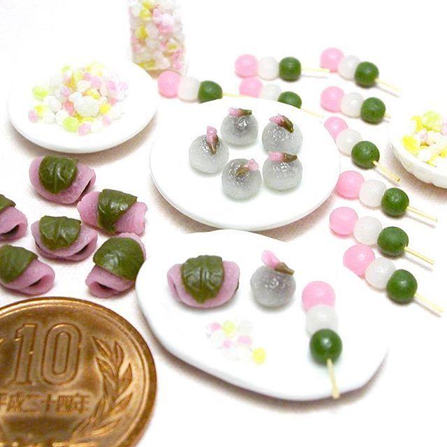 🌸 雛菓子色々と出来ました🎎 これから組合わせてセットにします(*´꒳`*) ・ This sweets is made from clay. ・ #ミニチュア #ミニチュアフード #ミニチュアスイーツ #雛あられ #ひなあられ #桜餅 #三色団子 #雛菓子 #ひな祭り #ひなまつり #和菓子 #樹脂粘土 #食品サンプル #miniature #miniaturefood #miniaturesweets #polymerclay #japanesesweets #wagashi #foodsample