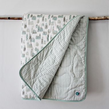 http://www.ruggabub.com.au/baby-shower-gifts/mbs-organic-baby-blanket/ Keep your little one snug with our gorgeous 300 thread count quilt. Made from only the highest quality 100% GOTS certified organic cotton