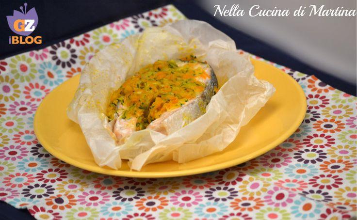 Il salmone al cartoccio con verdurine è una ricetta semplicissima, alla portata di tutti e di tutte le tasche . Leggete la ricetta nel mio blog.