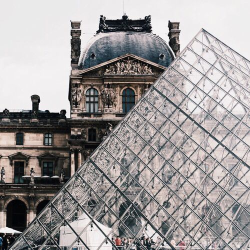 FOR THE HONEYMOON || Le louvre, France || NOVELA BRIDE...where the modern romantics play & plan the most stylish weddings... www.novelabride.com @novelabride #jointheclique
