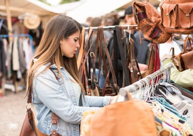 Don't go flea market shopping without reading these do's and don'ts. You'll learn where to find the good stuff -- and how to get it for less.