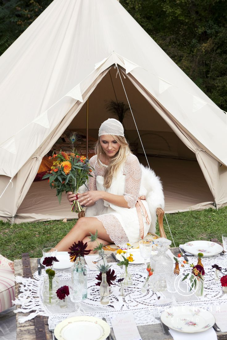 27 best location de tente mariage un mariage hippie chic images on pinterest bell tent. Black Bedroom Furniture Sets. Home Design Ideas