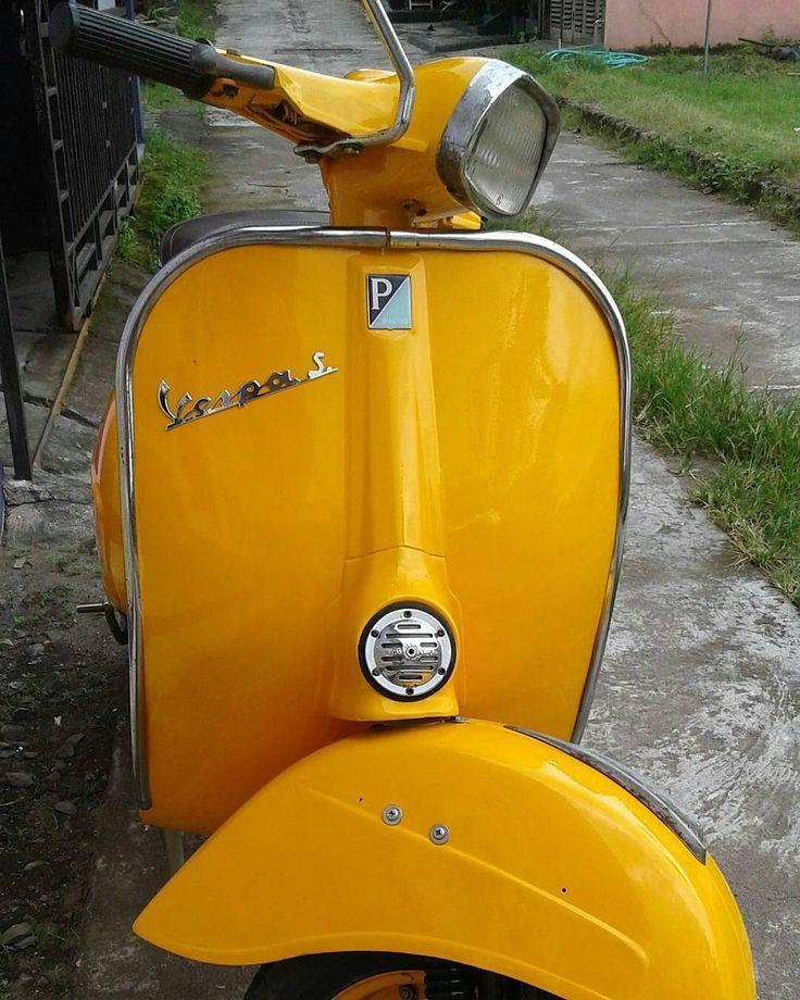 @Regrann from @yara_arly -  For sale Vespa S 1966. Surat lengkap, pajak off AB jogja kota, warna sesuai surat. Posisi di Kalasan, Yogyakarta. Hub. 085743419454 Pin 5BB14CDA  #vespa #sprint #1966 #forsale #scooter - #regrann