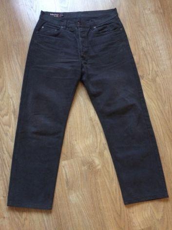 Je viens de mettre en vente cet article  : Pantalon droit Marlboro Classics 25,00 € http://www.videdressing.com/pantalons-droits/marlboro-classics/p-6025884.html?utm_source=pinterest&utm_medium=pinterest_share&utm_campaign=FR_Homme_V%C3%AAtements_Pantalons_6025884_pinterest_share
