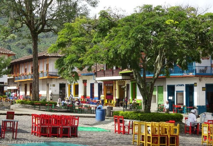 Jardín: plenty of places to sit and drink a tinto, while watching the world go by, in the plaza of this small town.