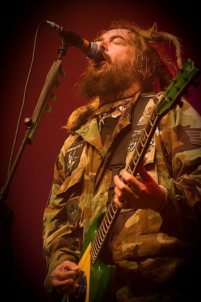 Max Cavalera of Soulfly. Dude's amazing on strings