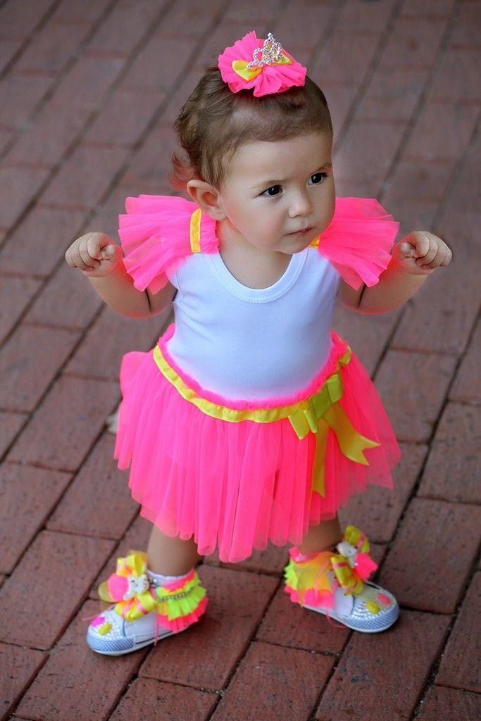 Bebek Converse, Çoçuk Converse, Bebek Ayakkabı, Tasarım Ayakkabı, Neon Ayakkabı #baby #babywear #babycouture #cute #couture #kids #kidsfashion #couturekids #babyshoes #designshoes #designkids #picoftheday #kucukhanimingardrobu #neonshoes #neon #designshoes #converse #babyconverse #designconverse #neonconverse