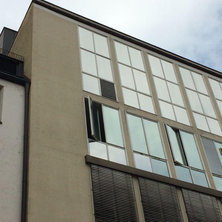 GUSTAV GSAENGER :: Stadtmuseum München : besonders durch den Knick in der Fassade.