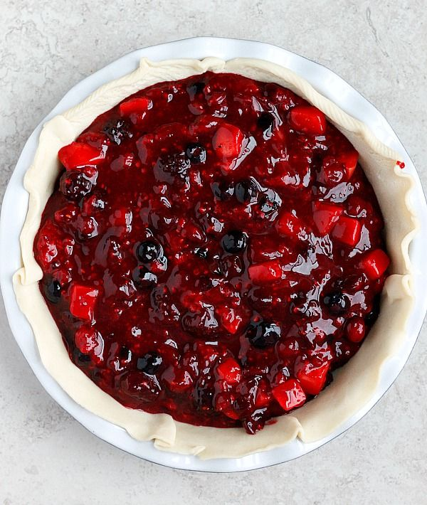 The 25+ best Mixed berry pie ideas on Pinterest | Berry ...