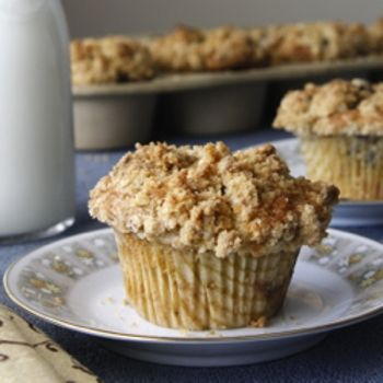 blueberry crumb muffins | Breakfast of Champions | Pinterest