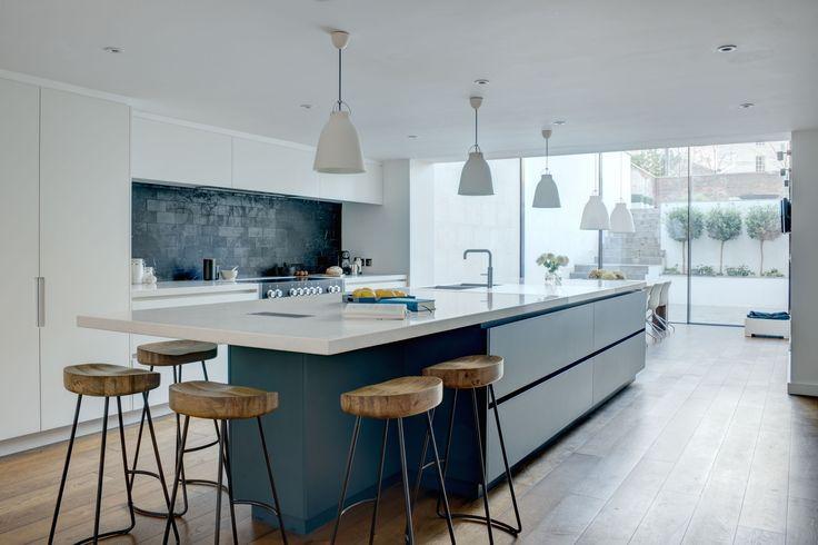 Roundhouse Urbo matt lacquer bespoke kitchen