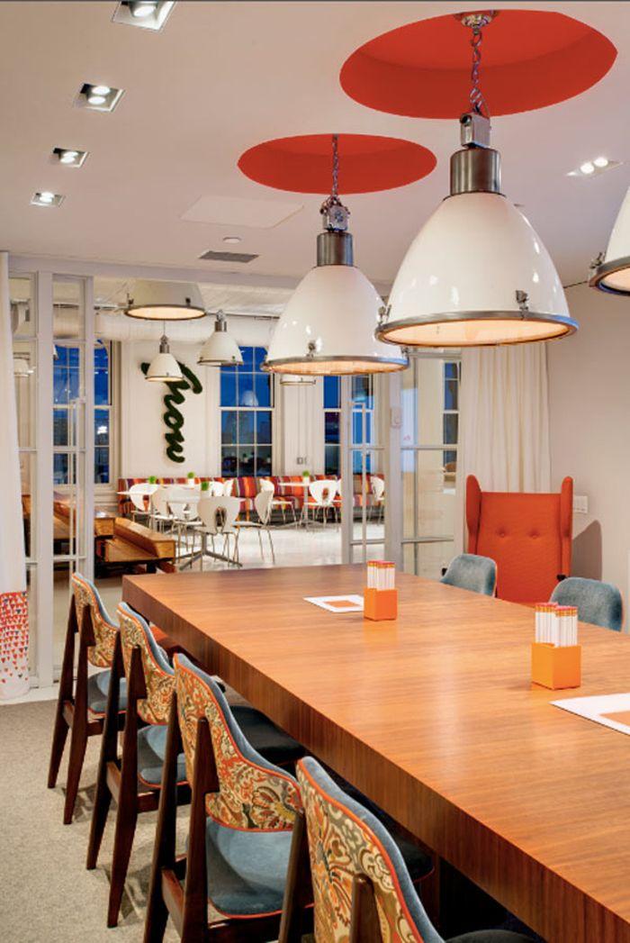 Адвокатское бюро: проект дизайн студии из Манхэттен | Home and Interiors Оригинальные кресла!