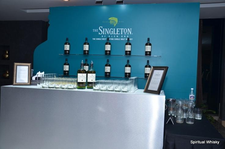Singleton Bar!