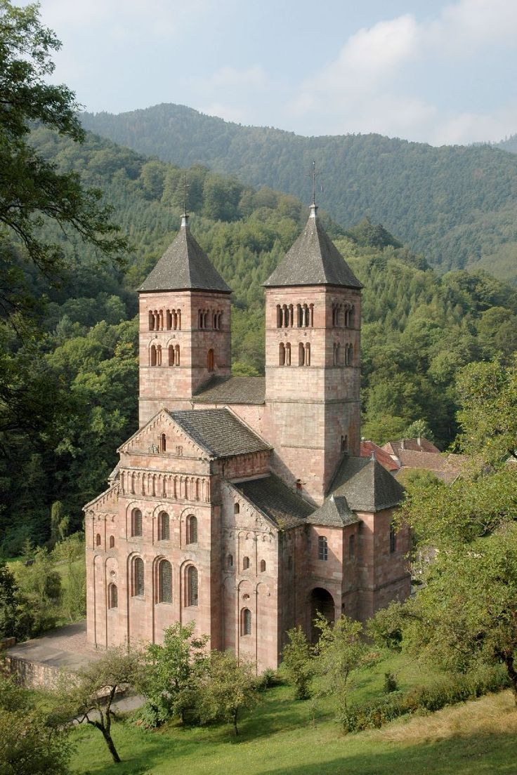 The Abbey of Murbach (Müerboch in Alsatian), built in the 12th century, is a masterpiece of Rhenish Romanesque architecture