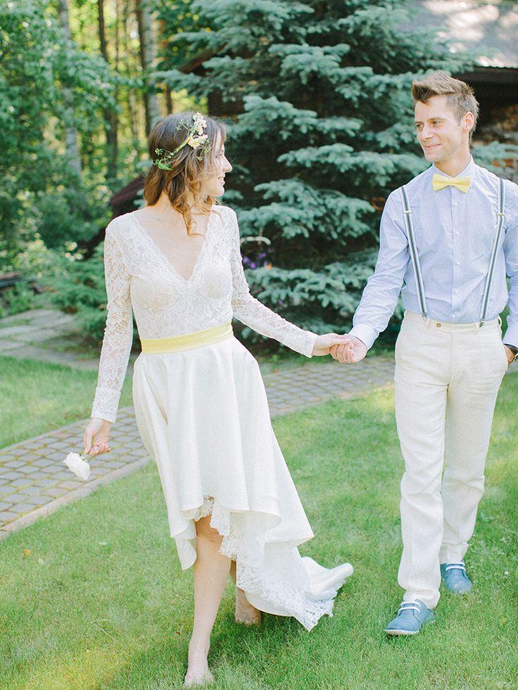 yellow bow tie and blue shirt and the bride's yellow sash - blue and yellow as wedding colour scheme | Photography : anastasiyabelik.com | Full #wedding inspiration on fabmood.com