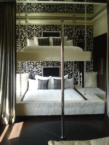 Sexiest Hotel Rooms     Kingsize BUNKBEDS... Stripper Pole... Shag Carpeting...    Partayyyyy?