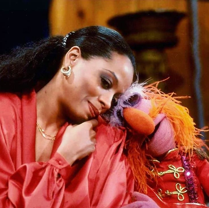 Diana Ross and Floyd have a snuggle for a picture in between tales of The Muppet Show