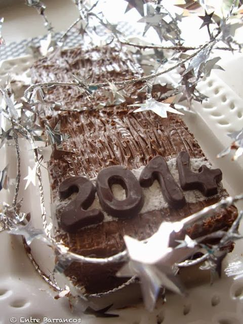 FELIZ AÑO con mini tarta de nutella y obleas -huesitos-