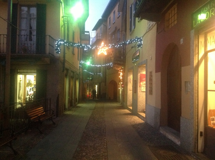 Via Garibaldi at Christmas time