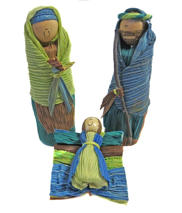 Created from dried corn husks and wood, this Colombian Nativity set is dyed in pleasing blue-green hues. From fair trade Sapia, providing income to artisans in war-ravaged Colombia. 4.5 inches tall.