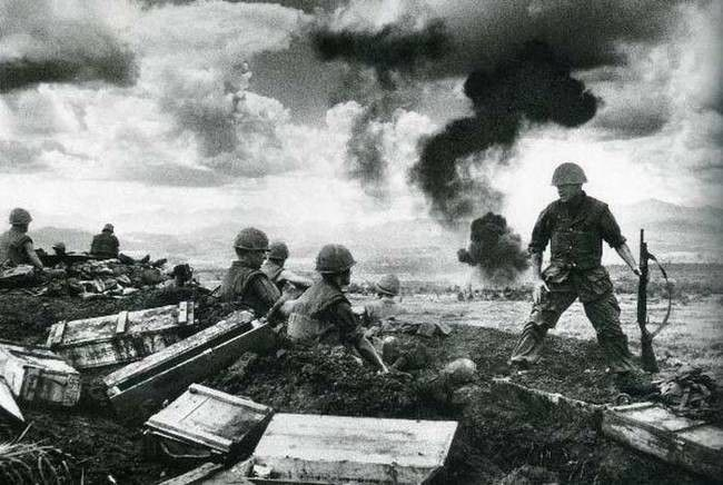 Troops at the battle of Khe Sanh, Vietnam, 1968. This was one of the longest, most violent battles of the war, lasting 77 days.
