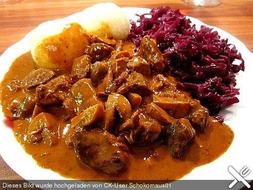 Hirschgulasch mit Rotwein und Speck (Rezept mit Bild) | Chefkoch.de