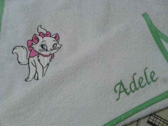 Un asciugamanino speciale per una bimba speciale! #aristogatti  https://www.etsy.com/it/listing/190501443/asciugamano-personalizzato?ref=shop_home_active_11