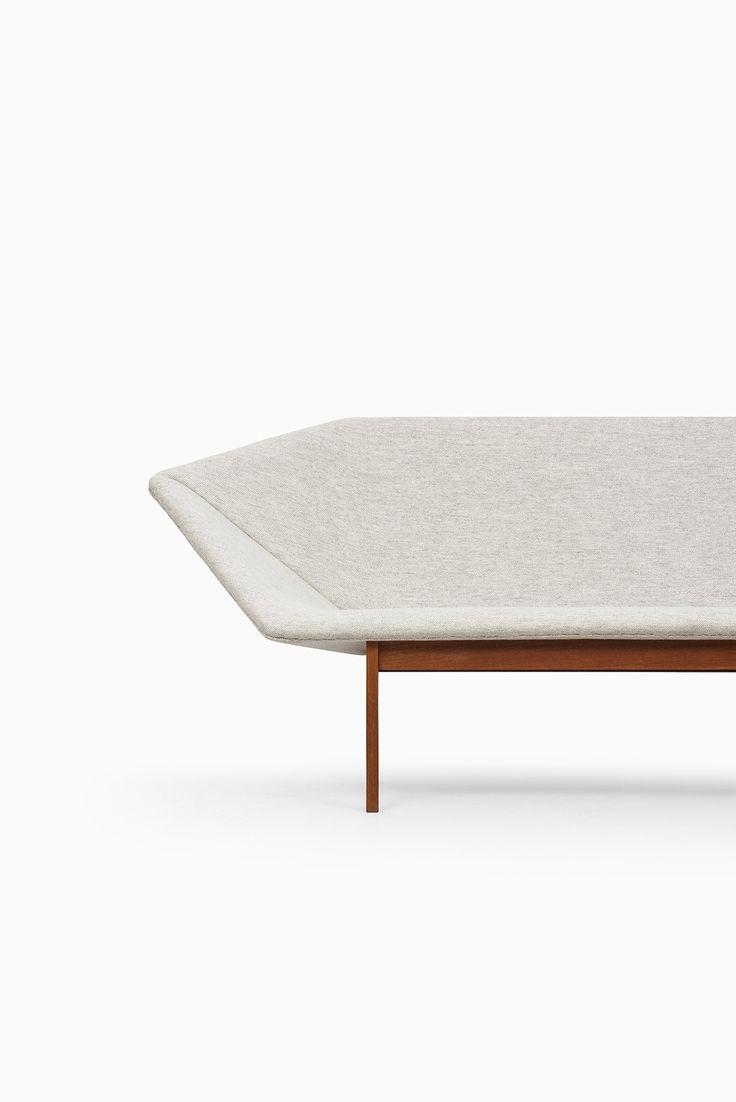 Tove & Edvard Kindt-Larsen Prisma sofa   via Studio Schalling