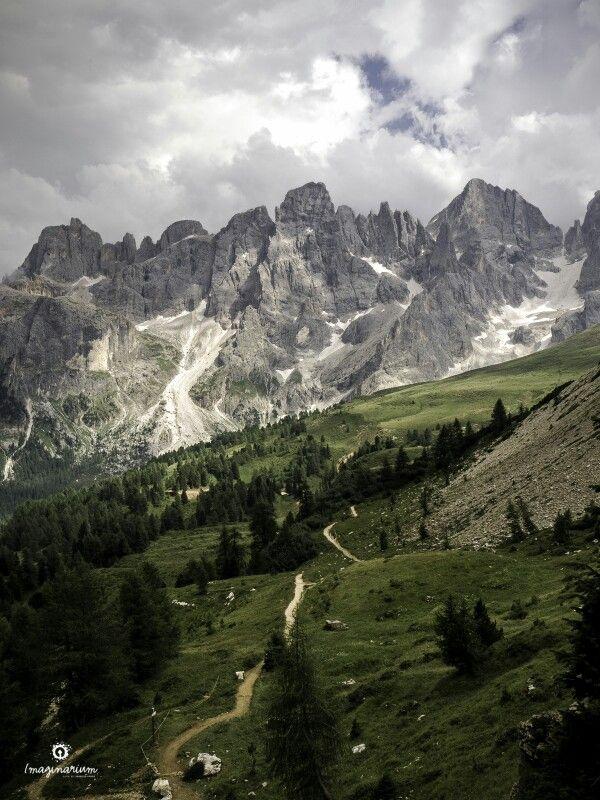 Pale di San Martino, dal sentiero del Cristo Pensante, passo Rolle, Dolomiti, Italia