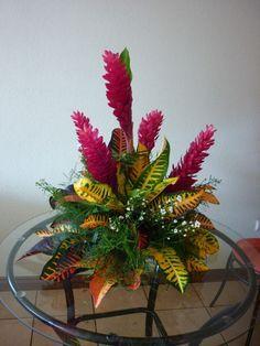Centros De Mesa Con Flores Tropicales Buscar Con Google