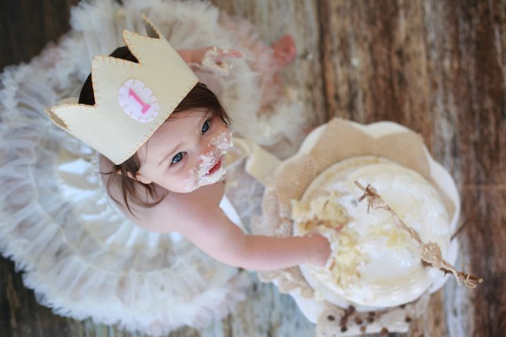 Love these first birthday cake eating photos
