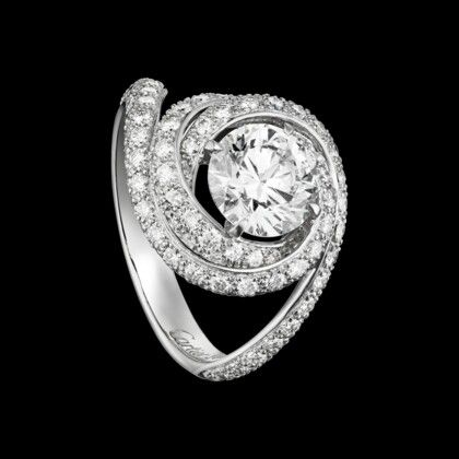 Cartier Trinity Ruban engagement ring... except I want it with a canary yellow diamond. This is perfect.