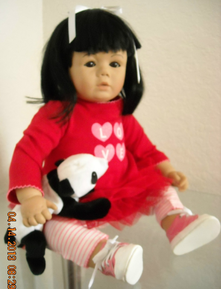 """Kissy Pooh"""" is a vintage Johannes Zook doll -22"""" vinyl/cloth only ..."""