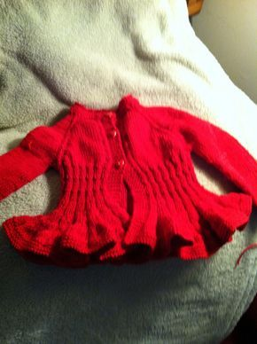 Ravelry: Ciliegia - Baby Cardigan rosso con volant by Barbara Ajroldi