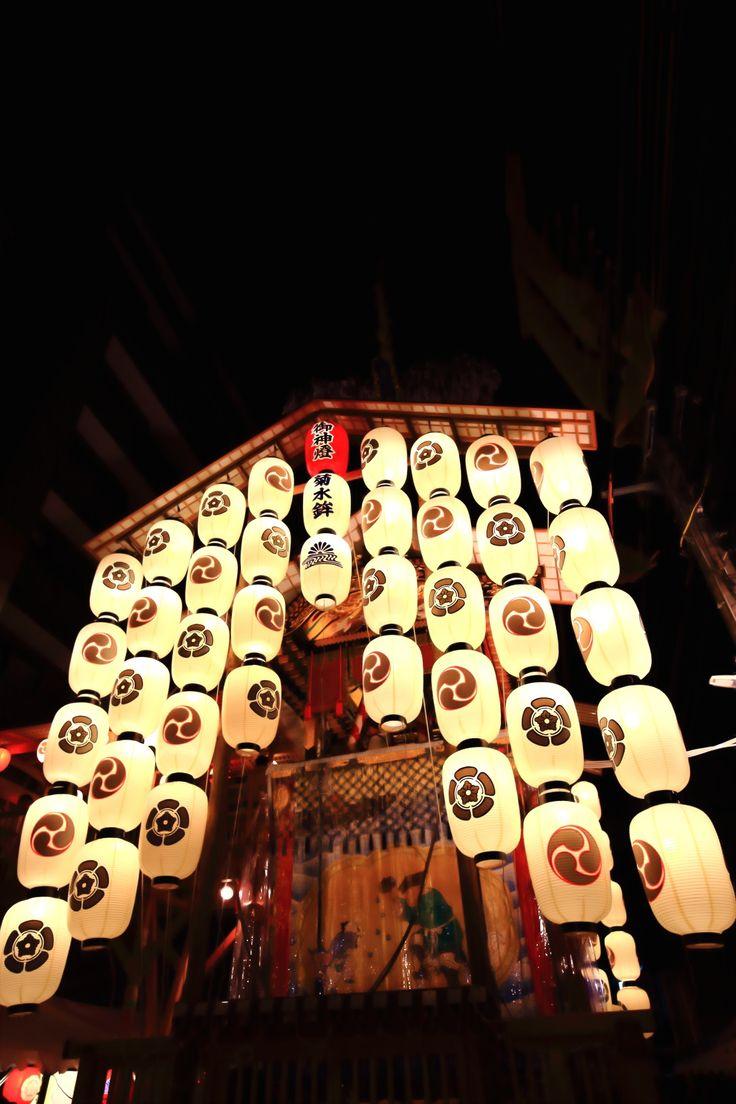 京都三大祭りの祇園祭の宵々山の菊水鉾(きくすいほこ)