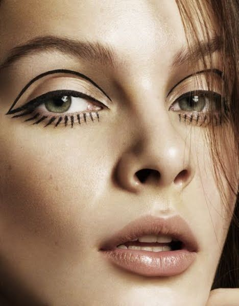 Icons In: Graphic Eyeliner