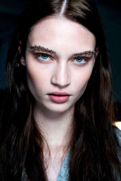 Cool eyebrow piercings. I like how they look, but I am done piercing, as addicti… – Schmuck Modelle