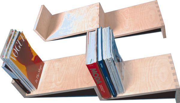 Eugénio Trigo, da Trigo Design Studio, concebeu a estante La Escalera de Jacob com uma única preocupação: os livros! Pelo seu design, a estante La Escalera de Jacob permite a conservação de livros pela...