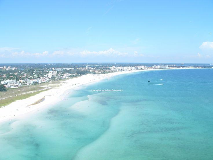 Beautiful white sand beach on Siesta Key Beach, Florida.