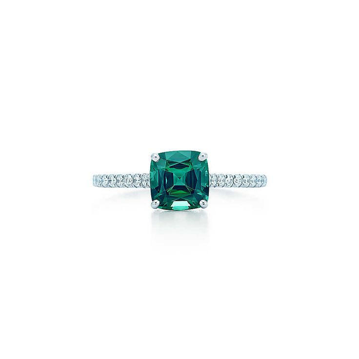 Bague en platine, tourmaline verte et diamants, Tiffany Legacy™. | Tiffany & Co.