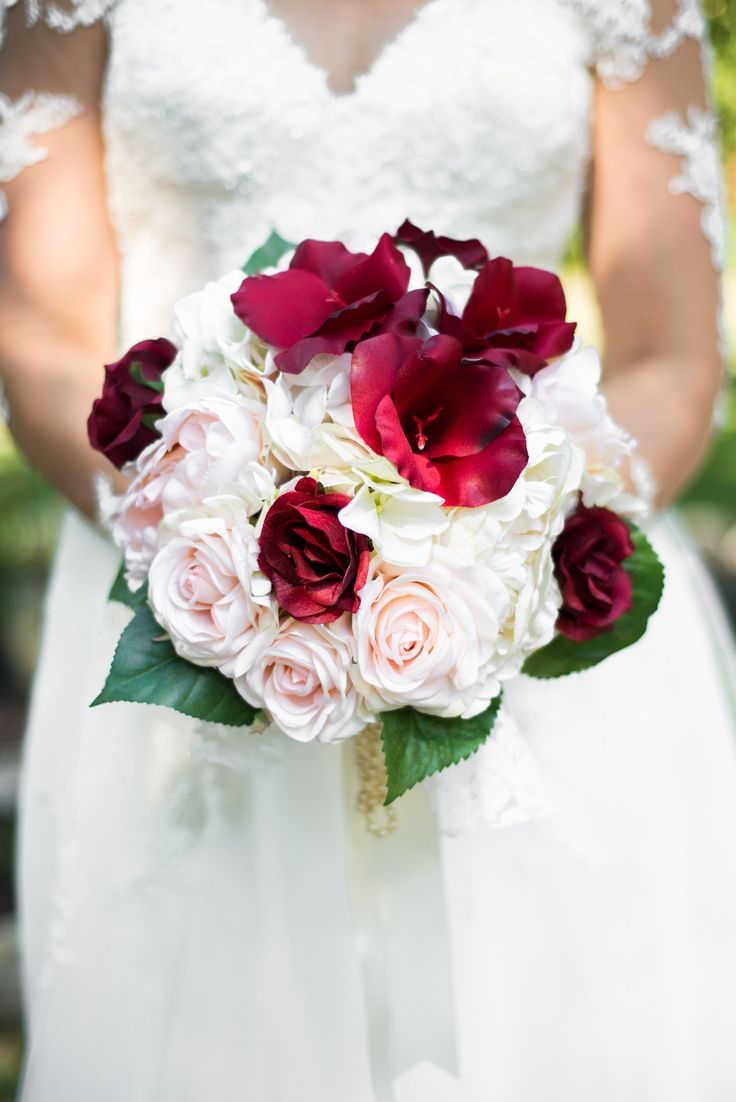 Bridal bouquet #marsala #blushpink #ivory #oma'spearls #grandma'slace