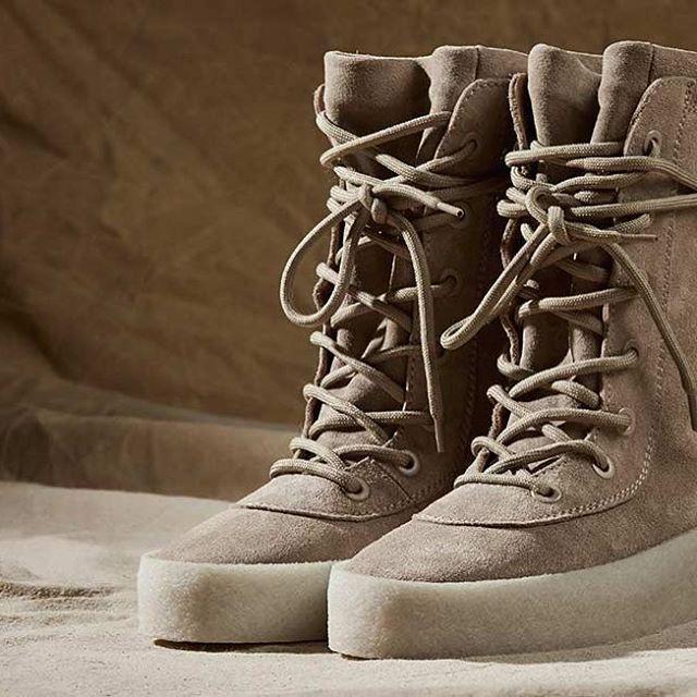 Kanye West'in Adidas'tan bağımsız olarak çıkardığı ilk koleksiyonun en önemli parçalarından biri olan Crepe Boot 6 Haziran'da satışa çıkacak. Crepe Boot, hem kadın hem de erkek numaralarıyla Türkiye'de sadece Shopi go'da yer alacak.  Crepe Boot as one of the most iconic pieces of the collection was not produced by Adidas this time. Women's and men's Crepe Boots will be exclusively available to purchase at Shopi go in Turkey, on June 6.  #shopigo #shopigono17 #Yeezy #yeezyseason2 #yeezy2…