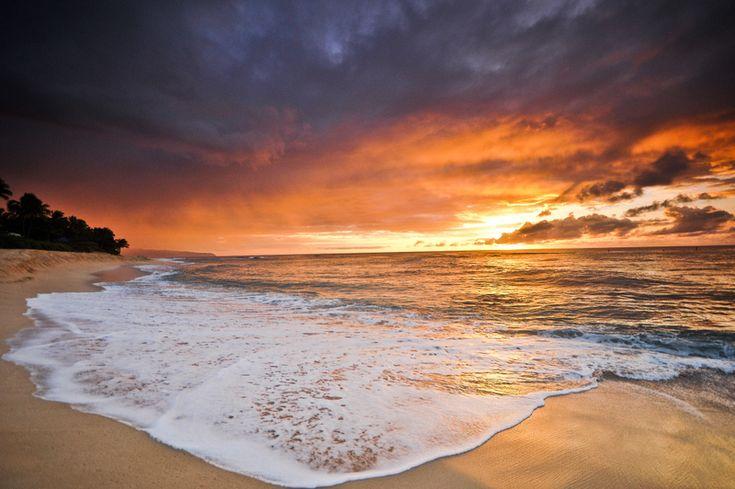 beach weddings in hawaii oahu | The Top 3 Oahu Beaches for Weddings | A Rainbow in Paradise
