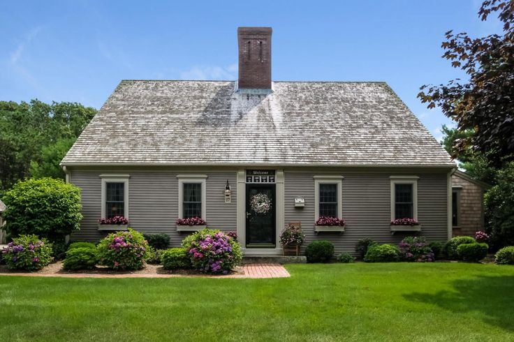 Best 25 new england style homes ideas only on pinterest for Reproduction farmhouse plans