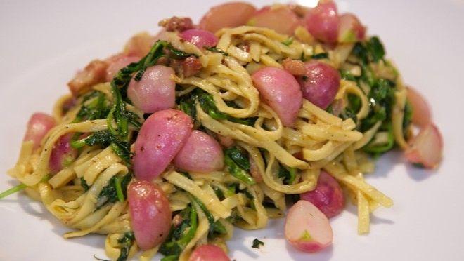 Pasta carbonara met een twist en Crazy Pea - recept | 24Kitchen