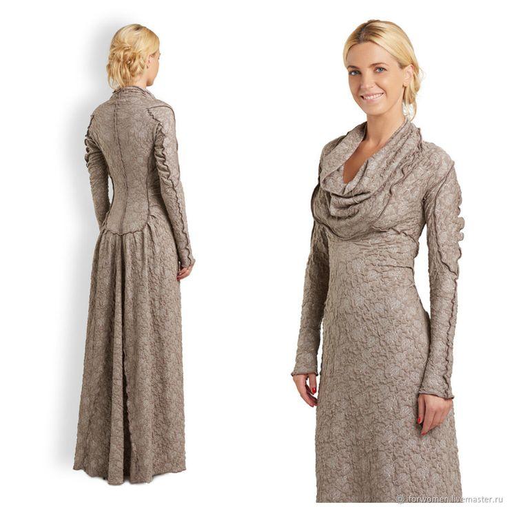 Купить или заказать Длинное платье-свитер, бежевое в интернет-магазине на Ярмарке Мастеров. SALE! Старая цена 13900 р. Невероятно стильное и красивое бежевое платье-свитер в пол! Это наше платье-шедевр! Современная роскошь, богемный силуэт, при этом платье не придется убирать в шкаф, потому что мы стираем границы между вечерним и повседневным нарядом! Комбинируя это платье с грубыми ботинками, вы создаете образ на пике моды, достойный похода в клуб или неделю моды, а дополните образ&helli...