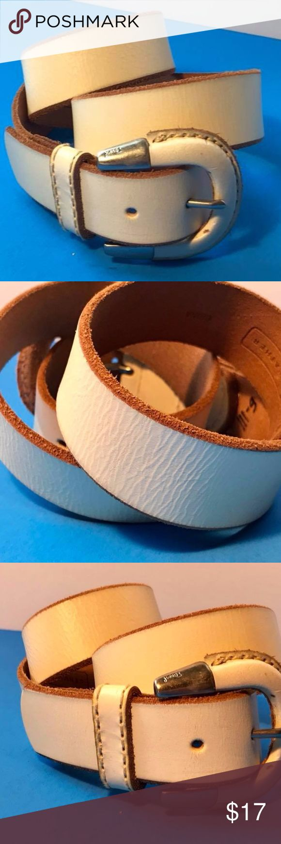 """(FOSSIL) Ivory Cream Leather Belt  Size Small Fossil Cream / Ivory Size S  Measures approximately 34"""" (w/o buckle) end to last end hole Excellent Please see photos Thank you!!!  NOTE:   I list for others as well so items may come from a home with pets or smokers.   Also, I travel several days out of the month, usually 3 days at a time  PLEASE FEEL FREE TO OFFER YOUR BEST PRICE Fossil Accessories Belts"""