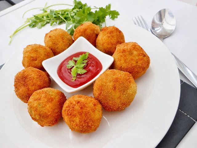 Confessions Of A Foodaholic: Cheesy Chicken Potato Croquettes